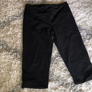VS crop leggings